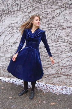 late 30s velvet dress! Such great construction.  Reminiscent of 80s Laura Ashley