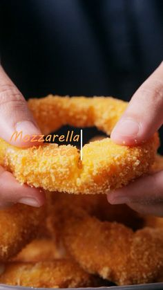 Cheetos mozzarella onion rings is excellent appetizer and snacks. Try making this delicious modification of onion rings for party. Snacks for party Cheetos Mozzarella Onion Rings Fun Baking Recipes, Cooking Recipes, Vegetarian Snacks, Baked Recipes Vegetarian, Halal Recipes, Onion Recipes, Easy Snacks, Snacks For Party, Healthy Snacks