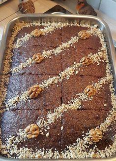 Ελληνικές συνταγές για νόστιμο, υγιεινό και οικονομικό φαγητό. Δοκιμάστε τες όλες Greek Sweets, Greek Desserts, Greek Recipes, Cookbook Recipes, Sweets Recipes, Baking Recipes, Food Network Recipes, Food Processor Recipes, Greek Cake