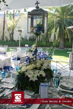 Centro de mesa en color azul . Idea boda. Marcela & Christian.