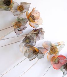 Craft-o-Rama — By Michelle McKinney Art. Silk Flowers, Fabric Flowers, Paper Flowers, Flower Artists, Wire Art, Botanical Art, Handmade Flowers, Flower Making, Fabric Art