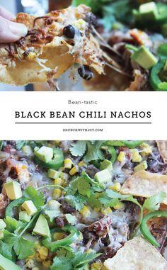 Black bean chili nachos is so beantastic that you've gotta check out this recipe.
