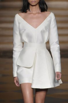 Emilia Wickstead white cocktail dress with full sleeves, at London Spring 2015 (Runway Photos)