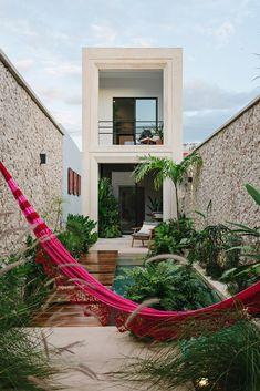 Small House Design, Modern House Design, Contemporary Design, Narrow House, Minimalist Home, Home Deco, Exterior Design, Stucco Exterior, Modern Exterior