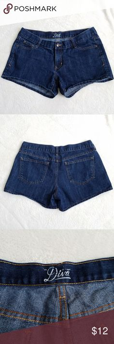 """🆕Old Navy """"The Diva"""" Shorts Very gently worn pair of dark wash """"The diva"""" shorts from Old Navy. A great """"everyday"""" pair of shorts for this upcoming summer season! 3.5"""" inseam. Old Navy Shorts Jean Shorts"""