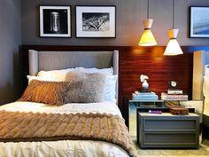 """#ameemsp ♥️ Friozinho merece uma cama com almofadas quentinhas e manta! Projeto contemporâneo e  sofisticado de Andrezza Alencar para a Quartos Etc, """"Um quarto para viajar"""" é uma proposta para quartos de hotel! Super aconchegante ❄️ . www.amearquitetura.com #ameaequitetura #amearquiteturaemsp #quartosetc #olioliemsp #olioliteam #design #arquitetura #quartodehotel #designhotel #travel #decor #decoração #inverno #frio #destinos #viagem"""