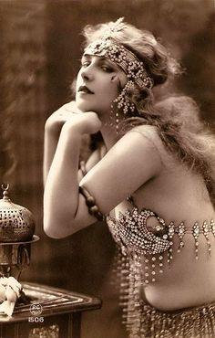 vintage 1900's beauty