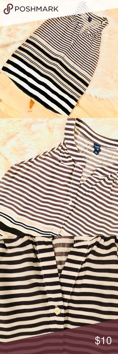 """Old Navy Stripes Tank Top EUC basically new, worn only once. 1 button v neck, 100% rayon approx 27"""" in length.  Don't like the price, make me an offer!  I have a bundle discount in my closet and I ship the same or next day! Old Navy Tops Tank Tops"""