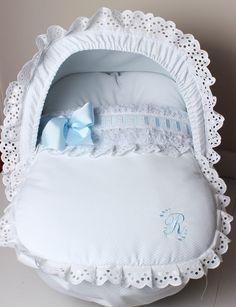Saco capazo Mis Niñas Rabbit Baby, Abayas, Baby Accessories, Felt Crafts, Linen Bedding, Bassinet, Baby Love, Baby Car Seats, Nursery