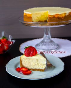 New York cheesecake - ZEINAS KITCHEN Candy Recipes, Wine Recipes, Baking Recipes, Dessert Recipes, Swedish Recipes, Sweet Recipes, Bagan, Zeina, Best Chocolate Cake