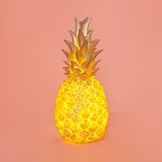 gold pineapple lamp /// I WANT THIS WITH ALL MY HEART