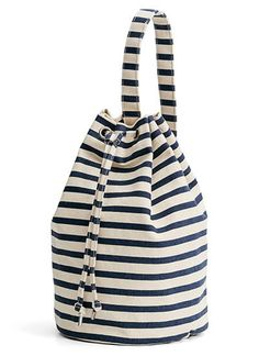 Baggu – canvas sling bag – sailor stripe - Scout & Co Striped Backpack, Diy Backpack, Canvas Backpack, Sling Backpack, Drawstring Backpack, Tote Bags, Tote Purse, Stylo Shoes, Nachhaltiges Design