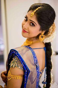 Beautyy Picturess: Wedding Saree and South Indian Bride Beautiful Saree, Beautiful Bride, Beautiful Dresses, Beautiful Women, Kerala Bride, Hindu Bride, Indiana, White Short Sleeve Blouse, Indian Bridal