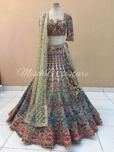 What a Bridal Lehenga! What a Bridal Lehenga! Indian Wedding Wear, Indian Bridal Outfits, Indian Bridal Lehenga, Pakistani Bridal Dresses, Indian Designer Outfits, Indian Dresses, Fashion Closet, Bridal Lehenga Collection, Party Kleidung