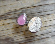 Crazy lace agate & pink sapphire ring. Two stone ring. Gemstone bridge ring. Rose cut sapphire ring. Crazy lace agate ring. Gap ring size 7. by ForestBook on Etsy https://www.etsy.com/listing/458255326/crazy-lace-agate-pink-sapphire-ring-two