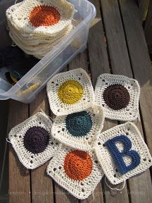 crochet Squares with circle in middle