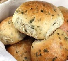 You Have Meals Poisoning More Normally Than You're Thinking That Overnight Soft Herb Rolls.Oh, So Delicious All The Herbs Blend Together To Make These Rolls A Wonderful Addition To Your Dinner Or With A Bowl Of Homemade Soup Herb Rolls Recipe, Bread Recipes, Cooking Recipes, Comfort Food, Homemade Soup, Bread Rolls, Bagels, Dinner Rolls, Bread Baking