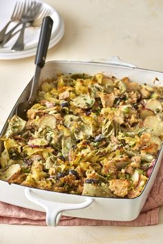 Recipe: Mediterranean Tuna Noodle Casserole How do you make tuna noodle casserole better? How about some artichokes and capers? A few easy upgrades turn this classic into a fast and fancy French-inspired supper. Tuna Casserole Recipes, Noodle Casserole, Tuna Recipes, Seafood Recipes, Pasta Recipes, Healthy Recipes, Cooking Recipes, Healthy Foods, Batch Cooking