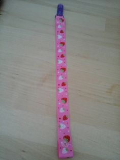 Check out this item in my Etsy shop https://www.etsy.com/uk/listing/257759050/strawberry-clip-straps