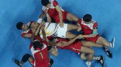 Image copyright                  Getty Images                                                                          Image caption                                      El atractivo del kabaddi es la simplicidad del deporte mismo.                                La misma palabra se repite y una otra vez, pero no sirve solamente pronunciarla, sino que hay que hac