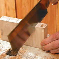 Hand-Cut Dovetails, Accurate and Fast