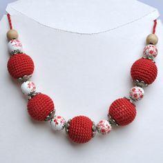 Collier Créateur Rouge Perles au crochet et Perles fleuries en Céramique : Collier par ideecreation