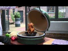 http://www.biggreenegg.eu/nl/ Met behulp van de onderstaande instructievideo's raakt u bekend met de basisbeginselen van het gebruik van de Big Green Egg en ...