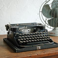 Underwood Typewriter   Vintage Fan