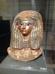 Head mask of Merit (wife of Kha).