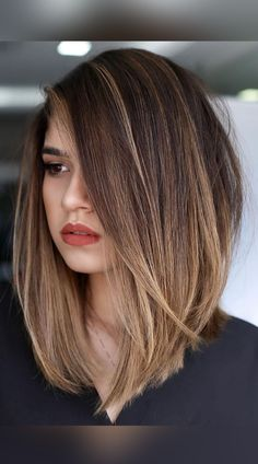 Click the link to see our collection of photos of some of the cutest and best angled bobs for your next haircut inspiration! Photo credit: Instagram @inspiracao.divas Brown Straight Hair, Long Brown Hair, Brown Blonde Hair, Long Bob Hair Cuts, Straight Long Bob, Long Long Bob, Long Graduated Bob, Brown Hair Tones, Long Brown Bob