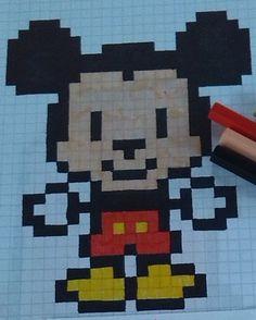 Graph Paper Drawings, Graph Paper Art, Cute Drawings, Cross Stitch Designs, Cross Stitch Patterns, Modele Pixel Art, Pixel Drawing, Pix Art, Minecraft Pixel Art