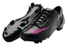 Awesome soccer cleats!!!:D and...SHINY!!!