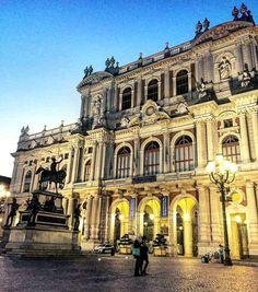 Giornate di febbraio che ricordano la primavera      #torino #igerstorino #ig_turin #turin#whatitalyis #ig_piemonte#igerspiemonte  #ig_italy #shotaward #italian_places#ig_italia #italian_trips #italy_vacations#top_italia_photo #italiainunoscatto#loves_madeinitaly #rsa_streetview#ig_europe #living_europe  #topeuropephoto #europe_vacations#cbviews #ig_world_colors#main_vision #worldplaces#kings_villages#travellingthroughtheworld  #ciauturin  Photo by @chiari.menti