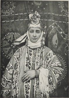 A Samarcand Jewess in ceremonial attire, 1905.  From Turkestan Russe, by M. H. Krafft.