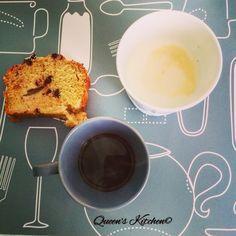 «Chi possiede il dono della semplicità, non può essere posseduto da nessun'altra ricchezza.» Simona Sparaco  #buongiorno con #caffè #cappuccino e #plumcake ☕️ [blog! http://www.queenskitchen.it ] follow Queen's Kitchen on Facebook  http://on.fb.me/1gq3DMB  #queensbreakfast