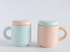 Set+de+dos+tazas+Guauhaus+Rosa+y+Azul+de+tánata+cerámica·madrid++por+DaWanda.com