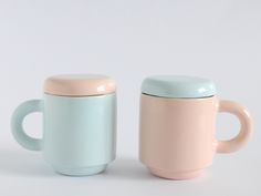 Set of two Guauhaus Mugs Blue and Yellow von tánata cerámica·madrid auf DaWanda.com