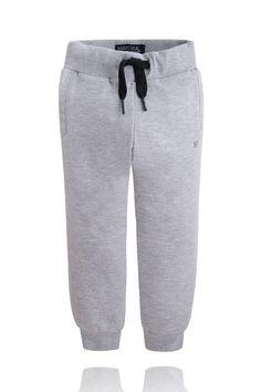 Boys Grey Sweat Pants with Drawstring Young Boys Fashion, Boy Fashion, Spring Fashion, Fashion Outfits, Basic Wardrobe Essentials, Wardrobe Basics, Boys Summer Outfits, Stylish Boys, H Style