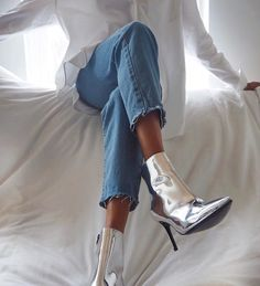 Metallica⚡️Mirrored, metallic ankle boots w/cropped jeans @symphonyofsilk #chiclyapp #getchiclystyled