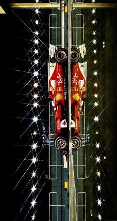 2017/9/18:Twitter:@sebvettelnews: Cool shot of Sebastian Vettel under the lights, ahead of today's race at Marina Bay ✨   motorsportpics.de  #SingaporeGP  #F1 #Seb5