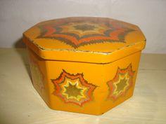 IRA Danish design retro tin from the 70s designed by Anita Wangel. IRA retro dåse fra 70'erne.  #iradanmark #danishdesign #danskdesign #retro #tin #daase #anitawangel #kitchenware SOLGT/SOLD on www.TRENDYenser.com