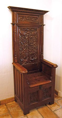 Renaissance throne chair