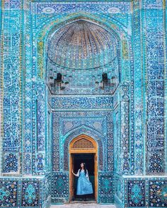 A Complete Guide To Traveling In Uzbekistan - Usbekistan - Travel Cool Places To Visit, Places To Travel, Places To Go, Time Travel, Tatoo Travel, Les Continents, Travel Tags, Destination Voyage, Europe Destinations