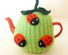 great range of colourful, hand knitted tea cosies and carefully chosen vintage home wares at great prices at our unique online vintage store. International shipping.