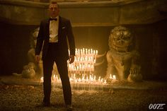 How daniel craig nearly ruined skyfall with a nice pair of gloves Casino Party Games, Casino Movie, Casino Theme Parties, Party Themes, Rachel Weisz, Skyfall, Film University, Daniel Craig James Bond, Best Bond