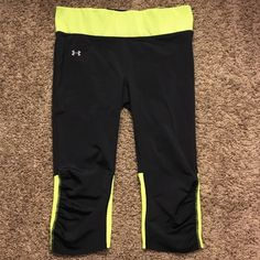 Under Armor Athletic Pants Spandex and mesh pants, cropped and great for running or lifting! Tag removed due to irritation, but pants are in great shape. Under Armour Pants Leggings