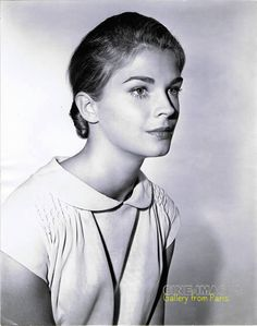 1966  Candice Bergen Iconic Women, Famous Women, Real Women, Candice Bergen, Wide Set Eyes, Athletic Models, Famous Photos, Classy Women, Best Actor