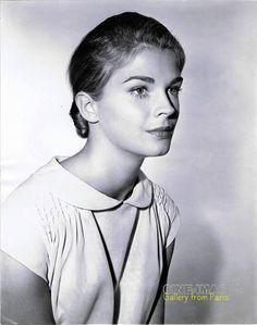 1966  Candice Bergen