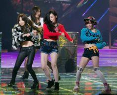 Taeyeon - Yuri - Tiffany - Sunny SNSD