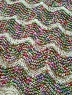 Ravelry: Project Gallery for The Walt Painted Chevron Baby Blanket pattern by Danielle Romanetti Easy Knitting, Loom Knitting, Knitting Stitches, Chevron Baby Blankets, Knitted Baby Blankets, Baby Knitting Patterns, Paint Chevron, Crochet Baby, Handarbeit